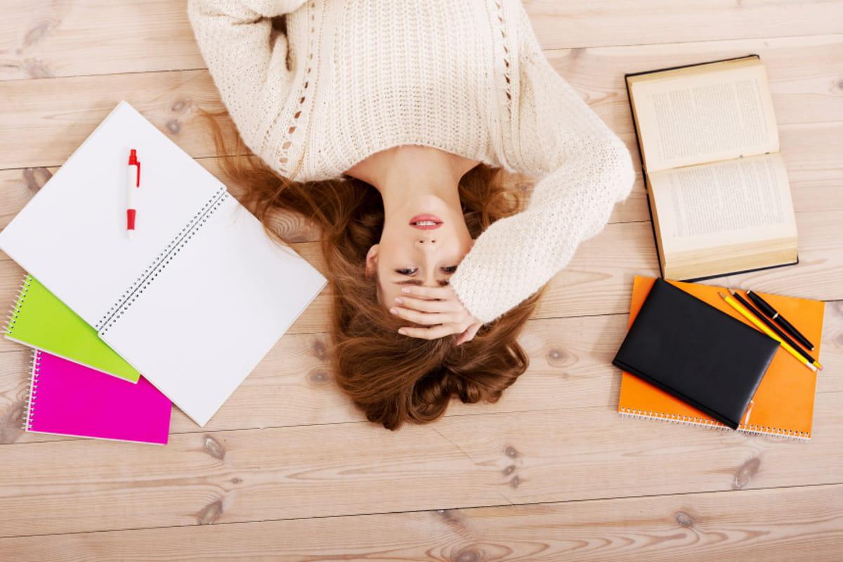 Comment l'hypnose peut aider avec le stress des examens